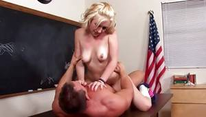 Blondie in the sport shoes is fucked naughty