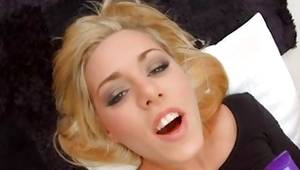 Blonde skank likes bum fucking