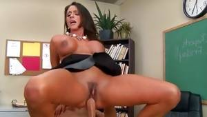 Beefy tittied wench got her screwed disobedient