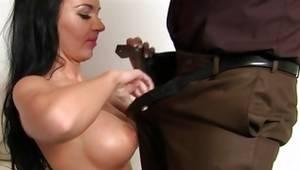 Slut got her filmed during fucking
